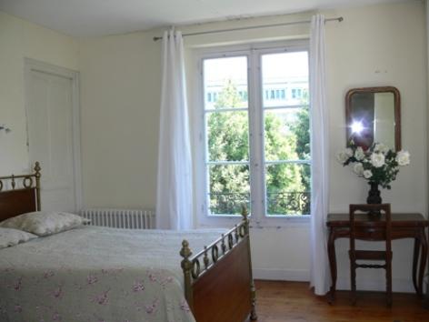5-chambre1-fouilland-argelesgazost-HautesPyrenees.jpg