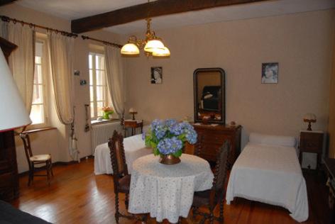 6-chambre1-aurignac-agosvidalos-HautesPyrenees.jpg