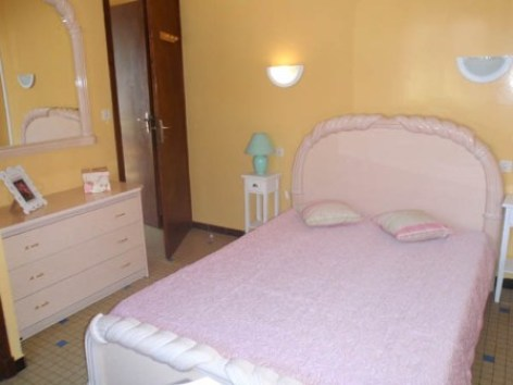 4-chambre1-guiraudcasabosta-ayzacost-HautesPyrenees.jpg
