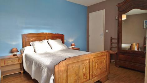 2-chambre1-noguez-ouzous-HautesPyrenees.jpg