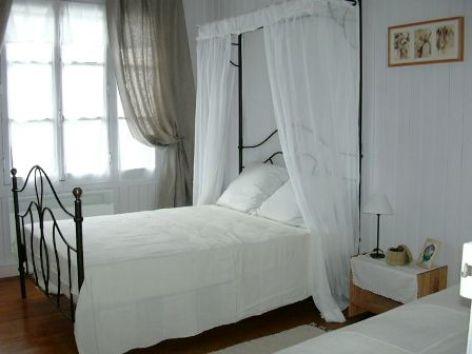 4-chambre1-dessay6-pierrefittenestalas-HautesPyrenees.jpg.jpg