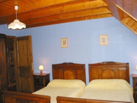 2-chambre1-chambred-hotedubarry-pierrefittenestalas-HautesPyrenees.jpg