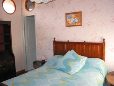 3-chambre2-chambred-hotedubarry-pierrefittenestalas-HautesPyrenees.jpg