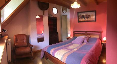 6-chambre4-chambred-hotedubarry-pierrefittenestalas-HautesPyrenees.jpg