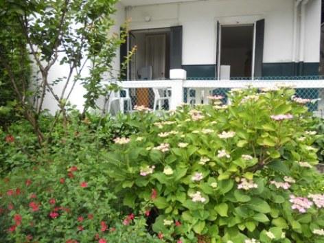 1-terrasse-gueguenespietrdc-argelesgazost-HautesPyrenees.jpg