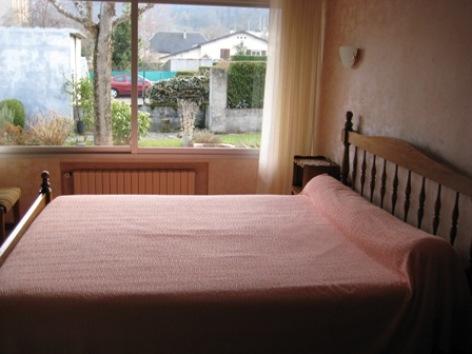 2-chambre1-vedere-argelesgazost-HautesPyrenees.jpg