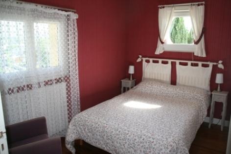 2-chambre1-marquegite-ayzacost-HautesPyrenees.jpg.jpg