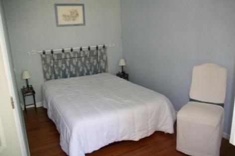 2-chambre2-marquegite-ayzacost-HautesPyrenees.jpg.jpg