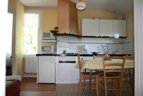 4-cuisine-marquegite-ayzacost-HautesPyrenees.jpg.jpg