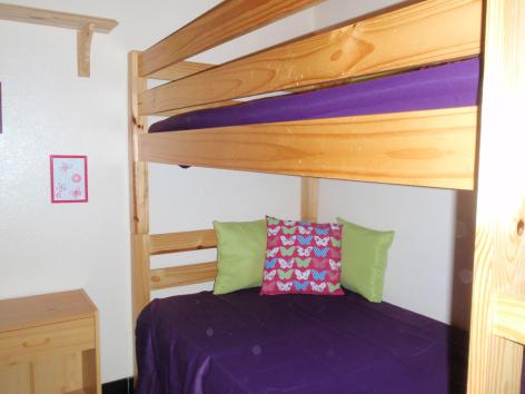 8-chambre2-guiraud-ayzacost-HautesPyrenees-2.jpg