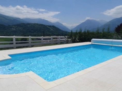 6-piscine-guiraudcasabosta-ayzacost-HautesPyrenees.jpg