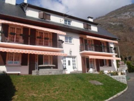 0-facade-guiraudcasabosta-ayzacost-HautesPyrenees.jpg