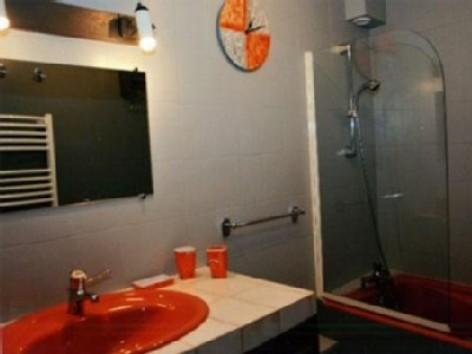 11-Salle-du-bain-du-bas.jpg