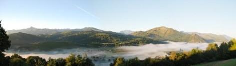 2-BOURREAC-GITE-LACRAMPE-vue-cote-montagnes.jpg