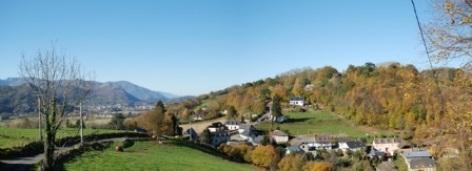 4-BOURREAC-GITE-LACRAMPE-vue-village-2.jpg