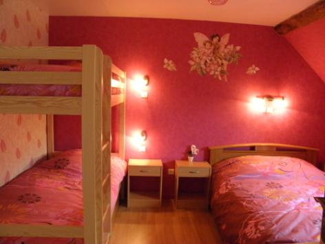 7-CHAMBRES-A-LOUER---Le-CAMPBIEILH-Chambre-2---vue-2.jpg