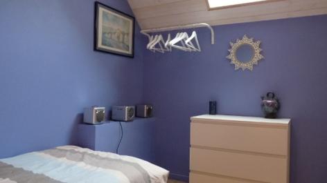 8-HPM12---Gite-de-la-Grenouille---chambre-bleue.JPG