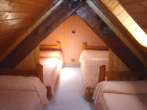 4-BRUZAUD-STUDIO-4-6-P-chambre-1.jpg