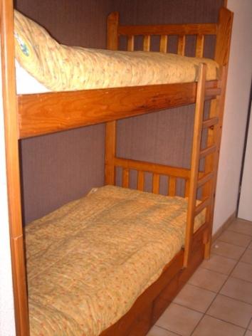 5-BRUZAUD-STUDIO-4-6-P-chambre-2.jpg