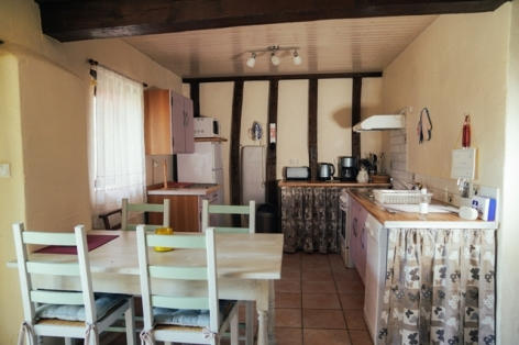 6-kitchen-and-dining-open-plan-web.jpg
