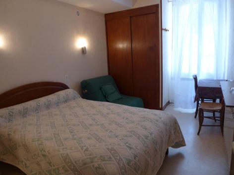 3-chambre2-lassallecazaux-bareges-HautesPyrenees.jpg