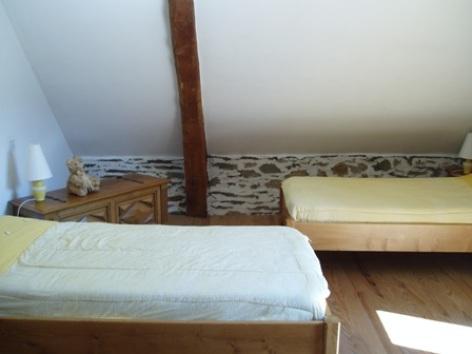 4-chambre2bis-prevost-saintpastous-HautesPyrenees.jpg.jpg