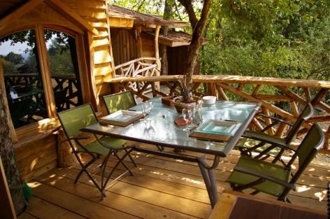 Chambres d 39 h tes g tes de france 3 pis dans les arbres - Chambre d hote cabane dans les arbres ...