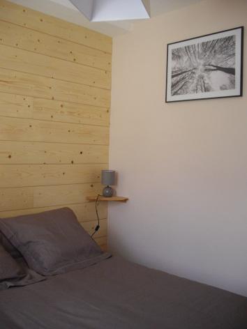 3-chambre3-castagne-grust-HautesPyrenees.jpg