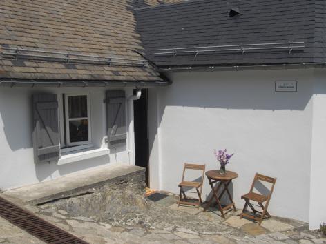 6-terrasse-castagne-grust-HautesPyrenees.jpg