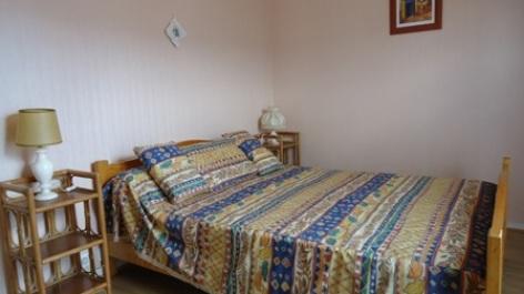 5-chambre-thibaud-argelesgazost-HautesPyrenees.jpg