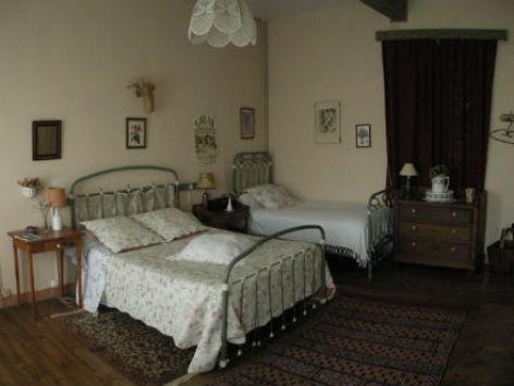 3-chambre-presbytere-ancien.jpg