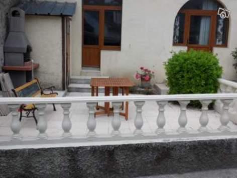 4-terrasse-tachoueres-argelesagazost-HautesPyrenees.jpg