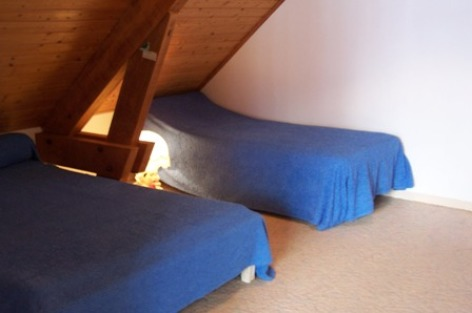 8-chambre2-laqueyrie-artalenssouin-HautesPyrenees.jpg