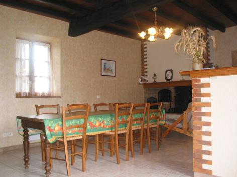 5-HPG18---Maison-Mme-Abeilhe---Salle-a-manger.jpg