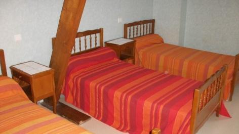 3-Habas-chambre-lit-indiv.jpg