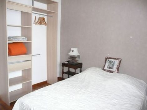 3-chambre1-maury-argelesgazost-HautesPyrenees.jpg