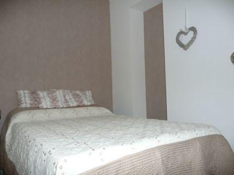 4-chambre2-maury-argelesgazost-HautesPyrenees.jpg