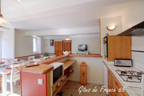 3-cuisine-sarthe-arrasenlavedan-HautesPyrenees.jpg