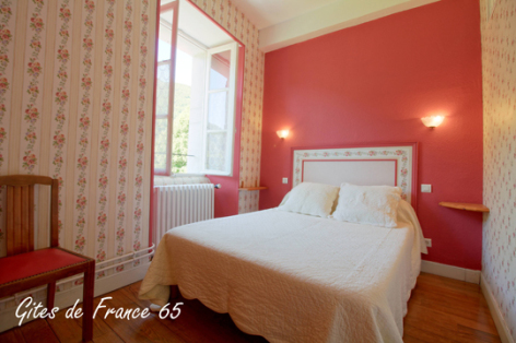 8-chambre4-sarthe-arrasenlavedan-HautesPyrenees.jpg