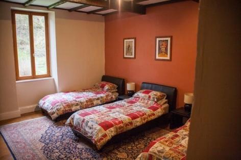 4-chambre-maison-garrigou-2.jpg