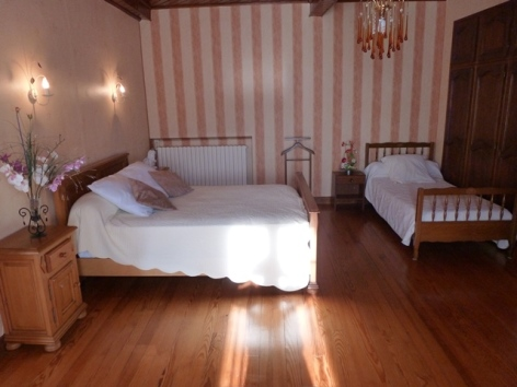 2-Chambre-3-places.JPG