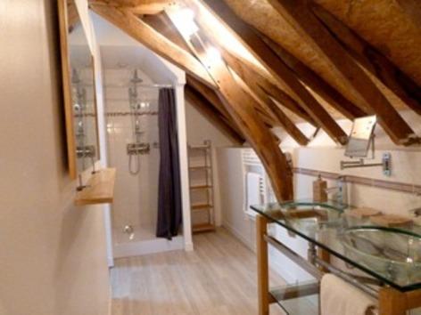 5-Salle-de-Bains---Chambre-parentale.jpeg