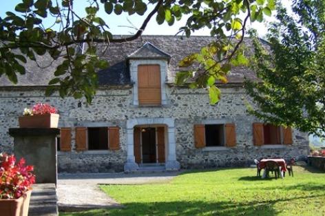 1-facade-pere-ayzacost-HautesPyrenees.jpg.jpg