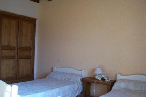 5-chambre1-pere-ayzacost-HautesPyrenees.jpg.jpg
