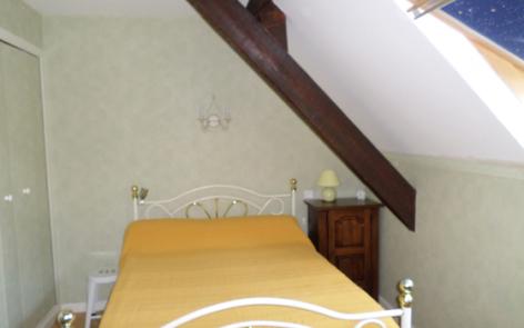 4-mourroux-chambre0-argelesgazost-HautesPyrenees.jpg