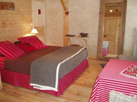 11-chambre4-gal-arcizansavant-HautesPyrenees.jpg.jpg