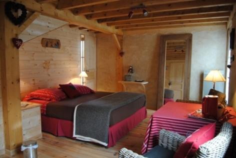 3-chambre1-gal-arcizansavant-HautesPyrenees.jpg.JPG