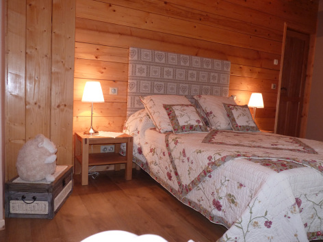4-chambre1-tilloles-bun-HautesPyrenees.jpg