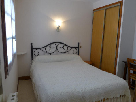 2-chambre1-lassallecazaux-betpouey-HautesPyrenees.jpg