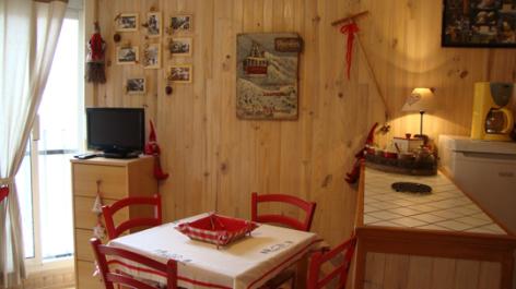 4-salleamanger-lelou-bareges-HautesPyrenees.jpg